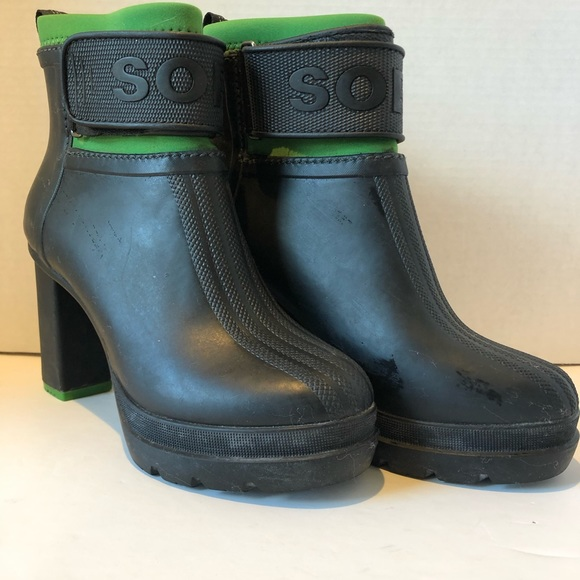 7d945e2ad30 Sorel Platform Rubber Rain Booties. M 5c72fe847386bc8dcf69d4c1